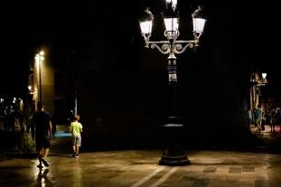 foto del pasado workshop de fotografia urbana nocturna en barcelona con rober tomas