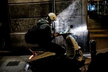 Taller de fotografía de calle de noche en Barcelona con Rober Tomas