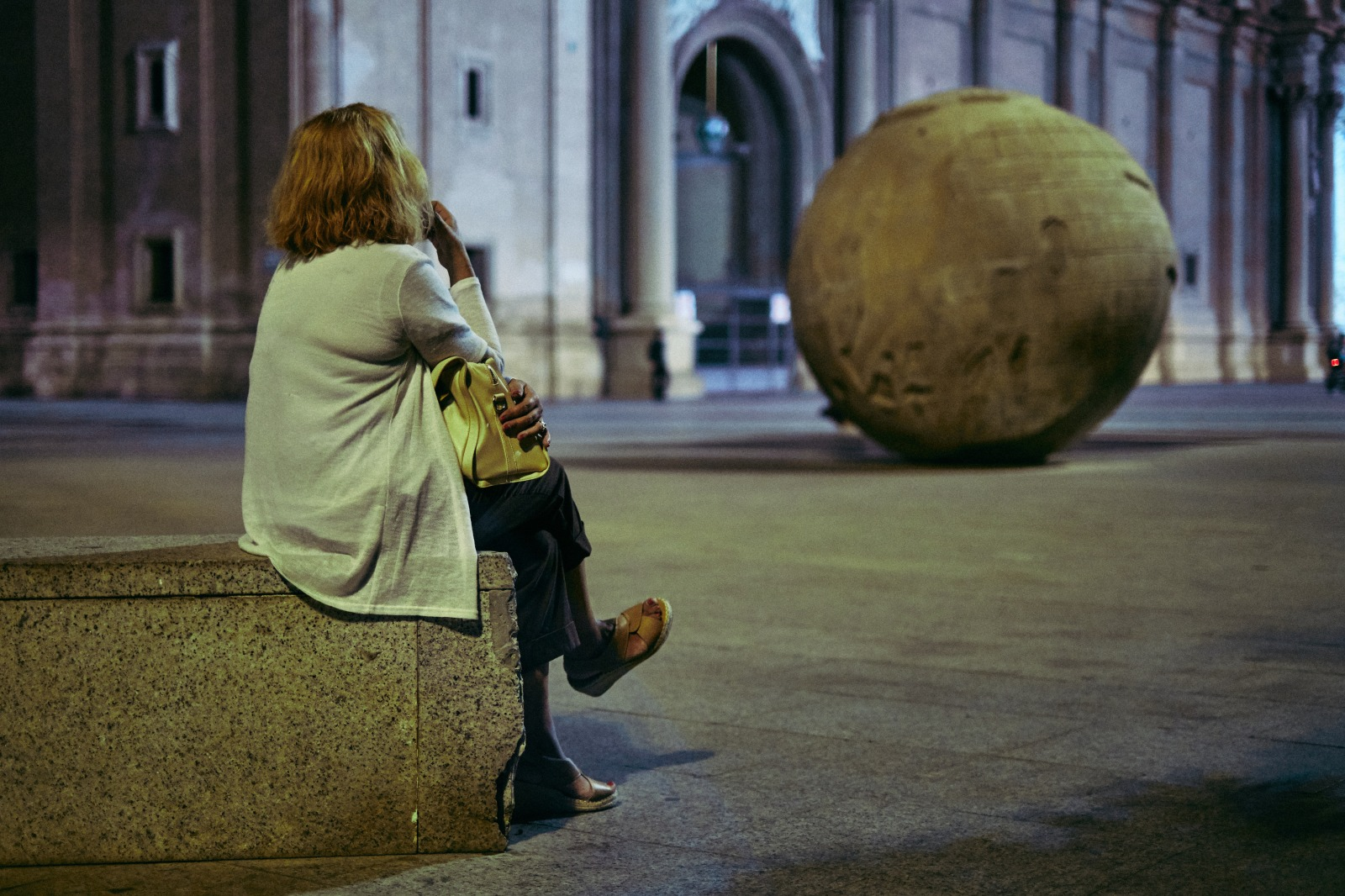 Fotografía de Calle nocturna en Zaragoza con Rober Tomas http://robertomasfoto.com